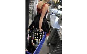 Från och med nästa år ska beslut om alkoholutskänkning tas av en ny politisk nämnd som är gemensam för flera kommuner i länet. Foto: JANERIK HENRIKSSON / SCANPIX