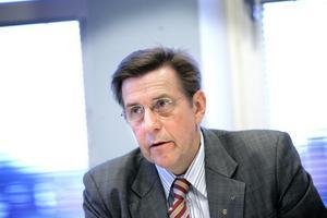 Centerns oppositionsråd Björn Brink är oroad över maktförskjutningen i landstinget.
