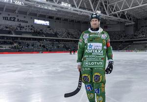 Stefan Erixon efter sin sista match som aktiv. Mittfältaren satte punkt med att leda Hammarby till seger i bronsmatchen mot Villa Lidköping i Tele2 Arena.