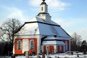Drygt en miljon kommer det att kosta för att laga och renovera rutorna på Borgsjö kyrka.