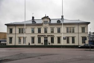 Kortvarig skvader. Centralstationens hus skulle kombinera gammalt och nytt, men blev varken hackat eller malet.foto: VLT:s arkiv