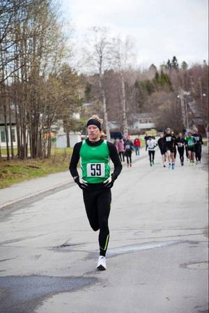 Patrik Wikström, Dorotea, vann maran på 3.03,13, vilket innebar personligt rekord med nio minuter.