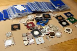 Kompletta årgångar liksom enstaka mynt från mitten av 1700-talet och framåt finns i samlingen.
