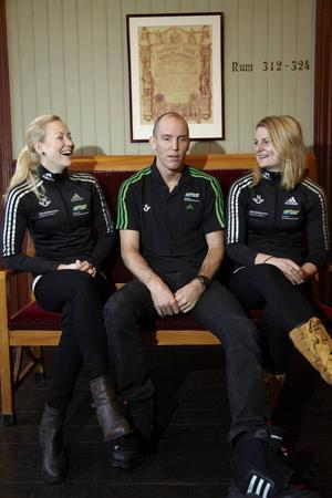 Björn Ferry här inför en världscup i Östersund för några år sedan tillsammans med två av de han i sin bok