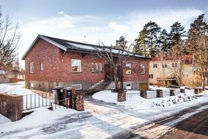 Rymlig villa med mycket bra planlösning i ett av Faluns absolut attraktivaste områden.