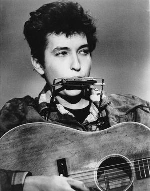 Protestsågnaren Bob Dylan 1963, en av hans många skepnader.