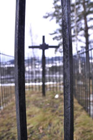 I graven innanför järnstaketet i Pålgård ligger Daniel Tegnander, född 23 juli 1767 i Ås socken.