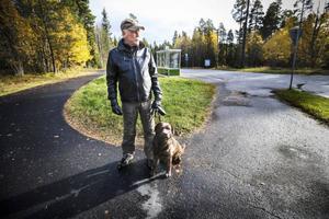 Kurt Lanner är emot att bussgatan mellan Odensala och Torvalla öppnas för allmän trafik.