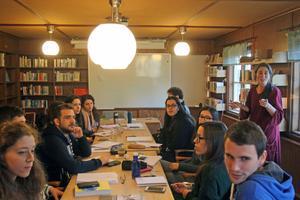 Tandläkarna från Portugal och Grekland studerar svenska på folkhögskolan i Malung