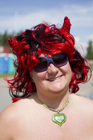 Annette Persson, 41 år.Hur lång tid tar det att fixa till frisyren?