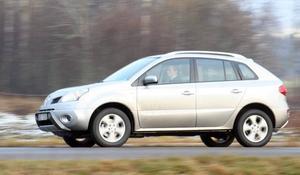 Koleos är Renaults första inhopp bland SUV-bilarna. Eller crossover som tillverkarna föredrar. En riktigt god uppstickare faktiskt.