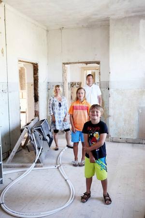 Huset, som byggdes som sanatorium för kolsjuka, har renoverats med varsam hand av familjen Andersson.