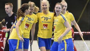 Sofia Olander (tvåa från vänster) spelade i Sveriges förstafemma.