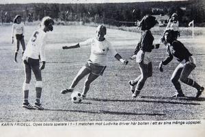 Tidningsurklipp från ÖP torsdagen den 14 juli 1977. Ope mot Ludvika på Storsjöcupen, där Karin Fridell blev utsedd till matchens bästa spelare och Åsa Dalfrén gjorde mål. Matchen slutade 1–1.