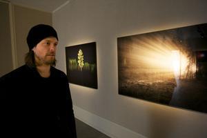 Vincent Skoglund fyller två salar med fem bildsviter i årets sommarutställning på Dalarnas museum.