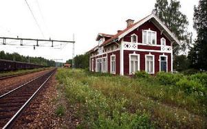 Stationen i Ornäs har inte används i tågtrafiken sedan tidigt 60-tal.