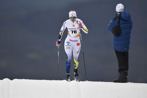 Maja Dahlqvist, Falun-Borlänge på väg mot en blivande andraplats i premiärtävlingen på snö.