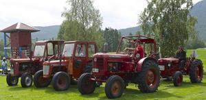 På veteranskoterträffen i Långå visades över 20 gamla fordon.