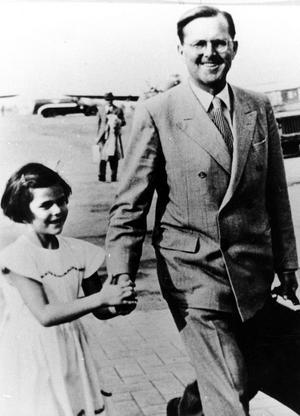 Silvia med sin pappa Walther Sommerlath, en man som var aktiv nazist.