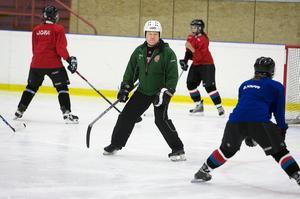 Robert Elfving är sportsligt ansvarig i Modo Hockey Dam. Han berättar att både Modo Hockey Dam och Isabell Palm kommer att acceptera domen från disciplinnämnden och är ångerfulla över det som inträffat.