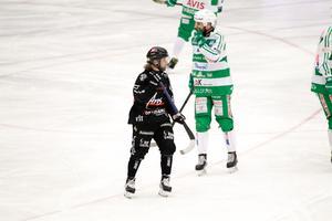 Kasper Sandgren fick göra ett par byten i derbyt mot VSK.