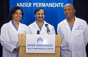 Bilden är från en presskonferens 2009, efter att Kaiser Permanentes doktorer hjälpte en kvinna att föda åttlingar.