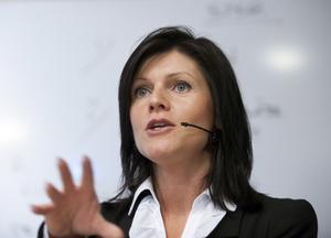Nytt inspel. TCO:s ordförande Eva Nordmark har presenterat ett förslag om att lösa den besvärliga frågan om a-kassans framtid I debatten finns olika åsikter om ersättningsnivåer, inträdesvillkor, avgifter och om a-kassan ska bli helt statlig.foto: Maja SUslin/Scanpix