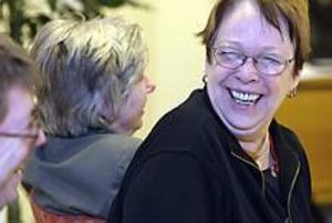 Foto: LASSE HALVARSSONStjärnglans. Ally Hämlin har provat att banta förut utan att lyckas så bra. � Den här gången känner jag att det är annorlunda. Jag mår mycket bättre. Jag går upp för trappan, det har jag inte gjort på många år, strålar hon. Hon har bytt middag på SOS-grillen mot hemmalagad mat och motion. Och mår toppen.