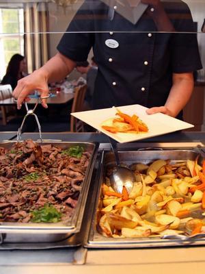 På menyn fanns dubbelmarinerad ekologisk nötstek och rostade grönsaker.
