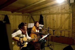 Kvällens hemliga gäster var Linda Berglin och Kicki Melin från Hudiksvall.