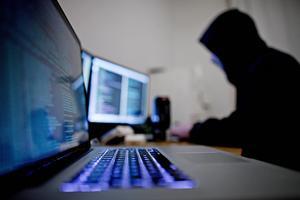 Extremister använder sociala medier för att sprida sin propaganda, en utmaning för företagen att bemöta.   Foto: Thomas Winje/TT