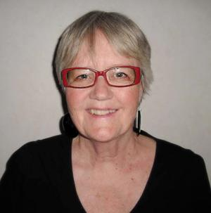 Ann-Marie Wikander är född och uppvuxen i Härjedalen men numera bosatt i Tierp. Hon debuterade 2009 med Sigrid – röd som skam. Nu kommer uppföljaren Sigrid – en skugga av blod. Britt Jakobsson har läst den.