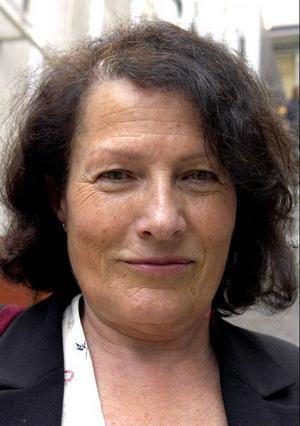 Sigrid Combüchen, författare:- Det är en arbetsseger och ganska oväntat. Jag trodde att Akademien liksom hade passerat honom. Jag läste honom i början, på 60-talet, men sedan dess har jag inte gjort det.
