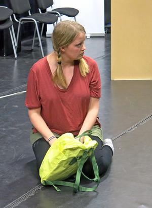 Ebba Pettersson spelar en av ungdomarna som måste fly den katastrofdrabbade staden.