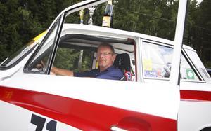 Klassiker. Bo Eriksson i sin Ford Cortina GT, samma bil som rallykompisen Leif B Andersson kör.