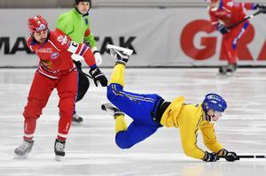SAIK:s ryske mittfältare Alan Dzhusoev och Daniel Berlin är båda skadade när elitserien går in i sitt avgörande skede. För både SAIK och Bollnäs är det tredjeplatsen som hägrar.