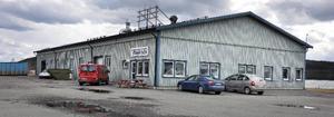 Ramos 1 000 kvadratmeter stora fabriksbyggnad på Pilgrimstads industriområde ställs tom i juli.