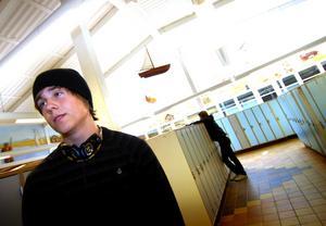 Nejtack. Marcus Holmbom, 17, tackar nej till sprit.