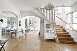 Sällskapsytor i huset på Almö-Lindö där stadens hemmafruar kunde vila upp sig. Det byggdes 1935 som ett semesterhem för husmödrar. Sedan 1970-talet är det ett privat fritidsboende.