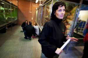 Lena Moe-Nilsson från Ocke var en av besökarna på öppet hur på naturbruksgymnasiet i Ås. Hennes son ska eventuellt söka plats på skolan nästa år.Foto: Håkan Luthman