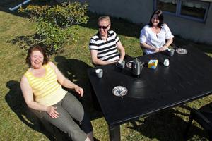 Lena Nätt, Stefan Högqvist och Rosie Byström flyttade ut fikastunden i Stugsund.