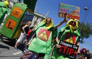 SSU säger, precis som den tyska demonstrationen på bilden, nej till ett TTIP-avtal.