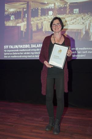 Ing-Marie A. Litsgård tog emot priset från STF på en gala i Stockholm på söndagen.