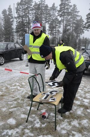 Funktionellt. Rolf Johansson och Börje Johansson höll ordning på i vilken ordning bilarna skulle starta.
