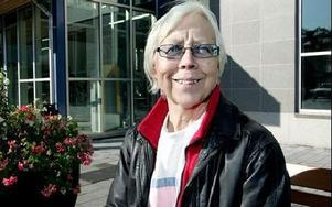Siv Cederlund-Hane, Torsång:-- Jag besöker reumatologen regelbundet. Där är personalen helt underbar.