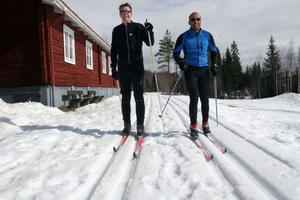 Pontus Juhlin från Växjö, till vänster, och Gerald Pettersson, Uppsala, till höger, tog chansen att åka skidor sista helgen i Harsa. Nästa säsong återkommer de med ett helt gäng för att träna till Vasaloppet.