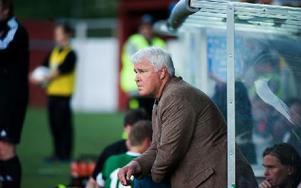 Conny Karlsson bedyrar sitt engagemang för Brage. Ändå har han saknats i bussen efter flera bortamatcher. Foto: Mikael Hellsten