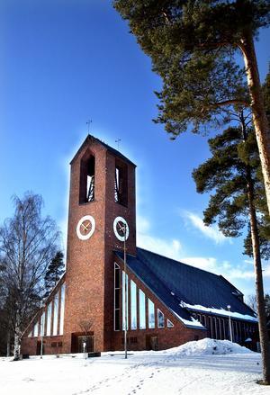 En programpunkt under 50-årsfirandet är Hofors kyrkas moderna arkitektur.