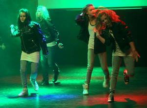 Beat it, tyckte de hårda tjejerna från Vågbro årskurs 5 och slängde solglasögonen.