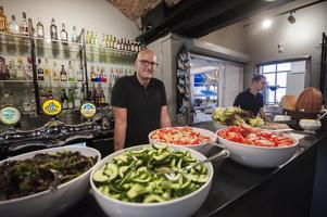 Christian Hansson hoppas att så många som möjligt vill komma till den nya restaurangen.